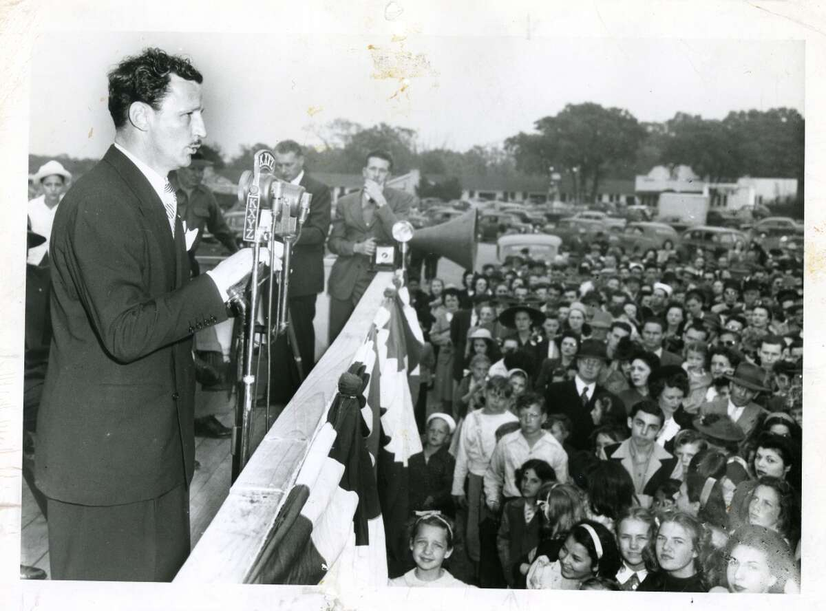 March 21, 1946: Glenn McCarthy speaks to crowd at groundbreaking ceremony for Shamrock Hotel and McCarthy Center