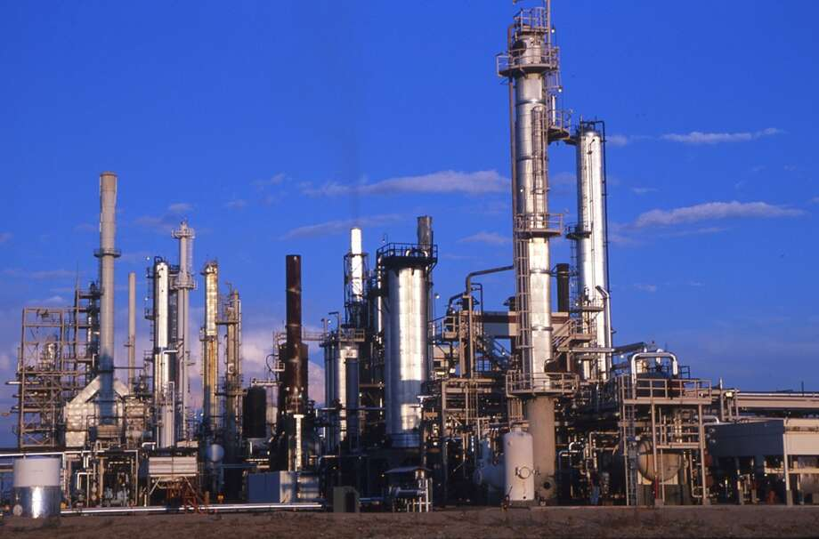 """HollyFrontier's 110,000 barrel-per-day Navajo Refinery in Artesia, New Mexico is one of six refineries located in the """"sweet spot"""" of West Texas, New Mexico and the Texas Panhandle that is reaping windfall margins because of the steep discount in West Texas Intermediate Midland prices."""
