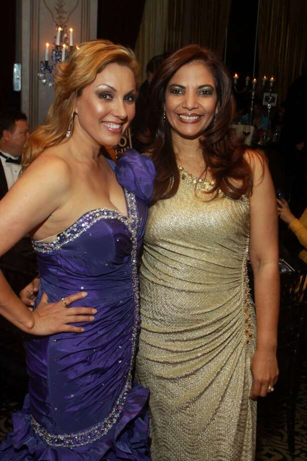 Elisa Garnica, left, and Lizzette Diaz at the Annual Latino Learning Center Night with the Stars Gala.