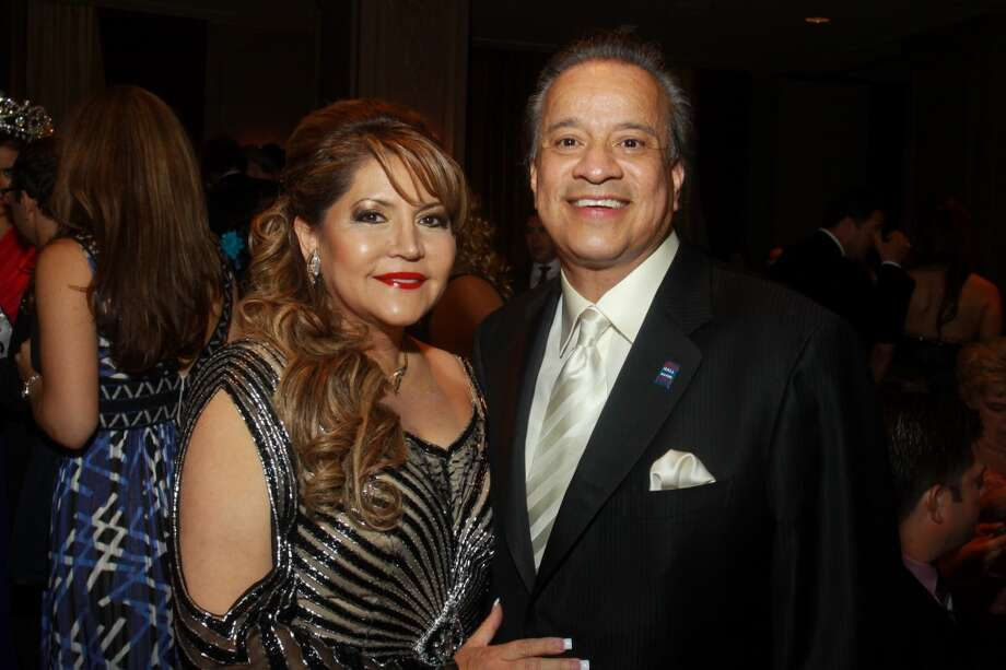 Gala chairs Alma and Joe Gonzalez at the Annual Latino Learning Center Night with the Stars Gala.
