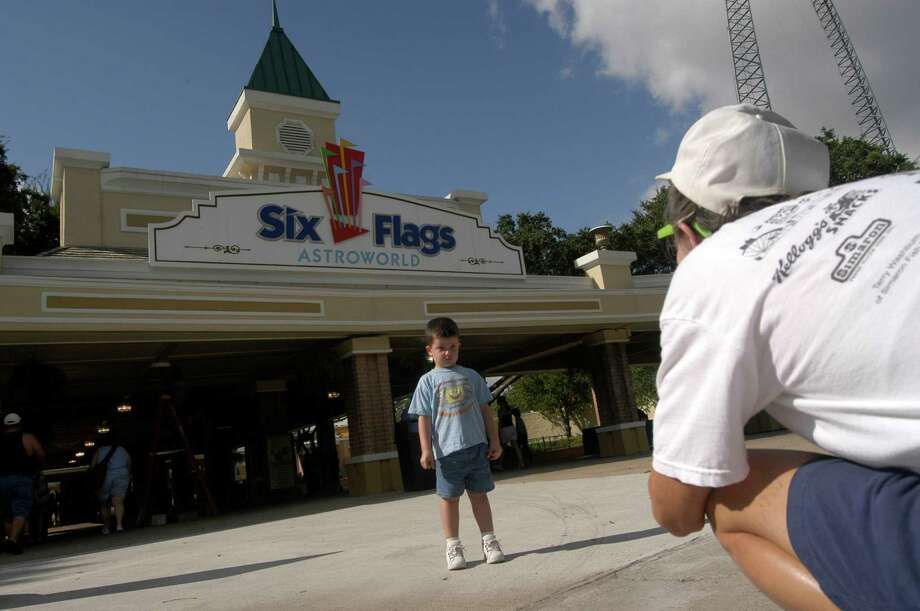 You grew up going to Astroworld every weekend in the summer with your season pass. --Terry Houton / Facebook Photo: Johnny Hanson, Houston Chronicle / Contract