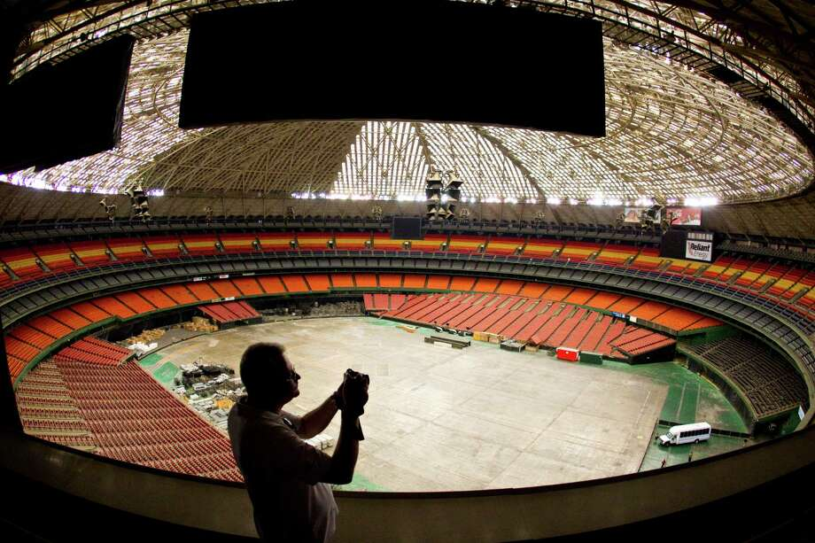 You love the Astrodome.  --Chris Alexander / Facebook Photo: Nick De La Torre, Houston Chronicle / Houston Chronicle