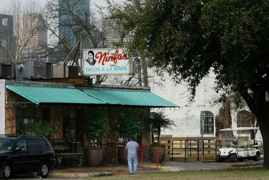 You consider Mama Ninfa's on Navigation to be the only REAL Ninfa's. --Laura Goldberg / Twitter Photo: Steve Ueckert, Houston Chronicle / Houston Chronicle