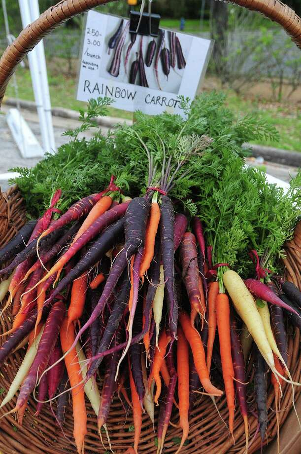 Rainbow carrots at the Rice University Farmers Market. Photo: Â Tony Bullard 2013, Freelance Photographer / © Tony Bullard & the Houston Chronicle