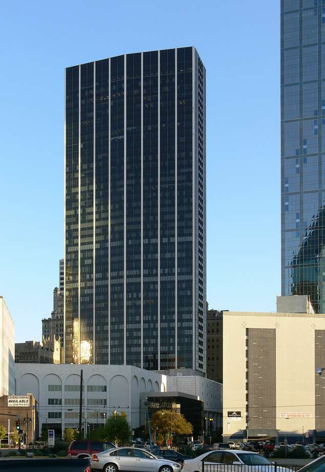 Elm Placein Dallas: 625 feet, 52 stories Photo: Andreas Praefcke / Wikipedia Commons
