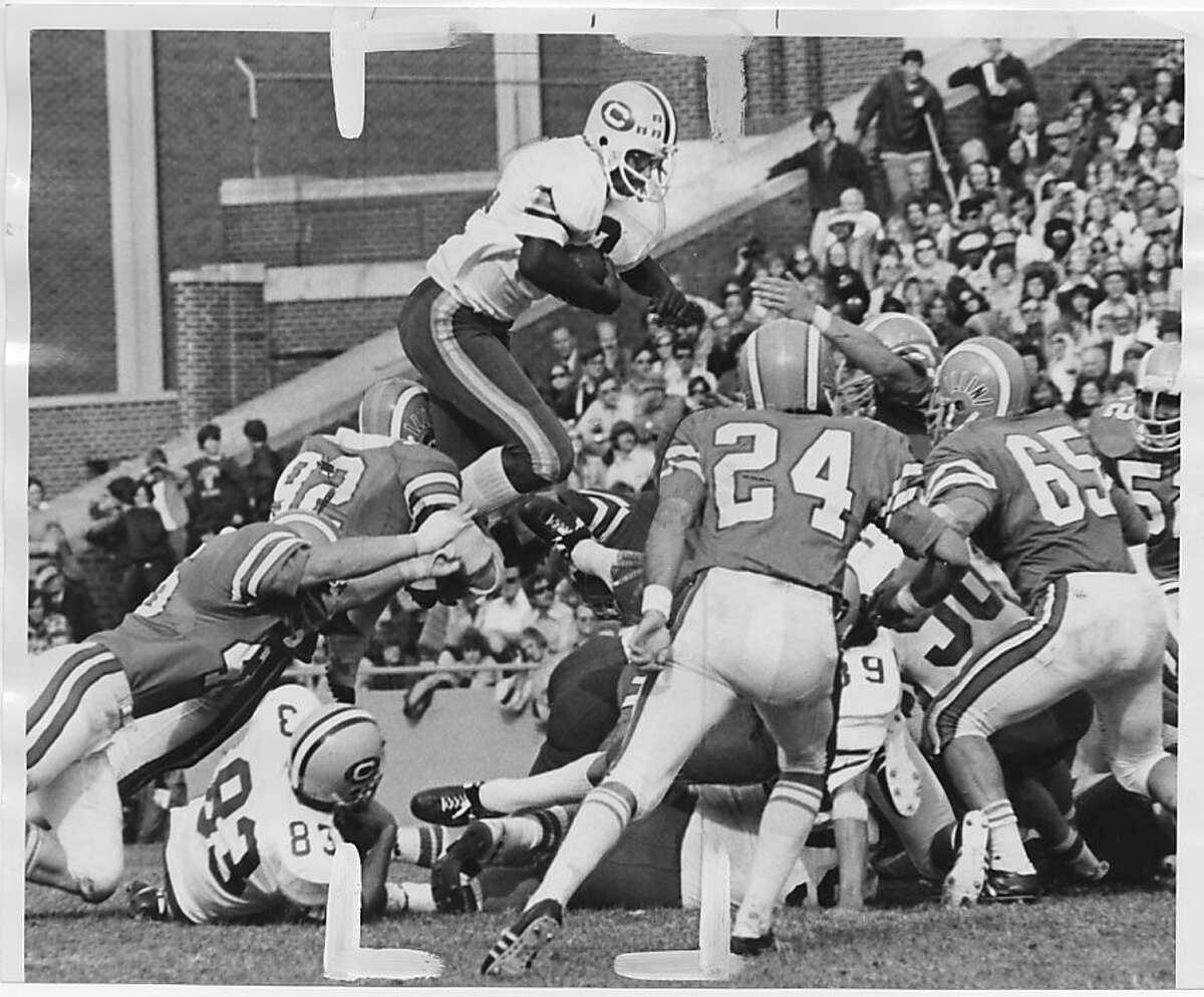 2013_0514_Muncie.jpg August 23, 1975 Chuck Muncie in a game against Illinois