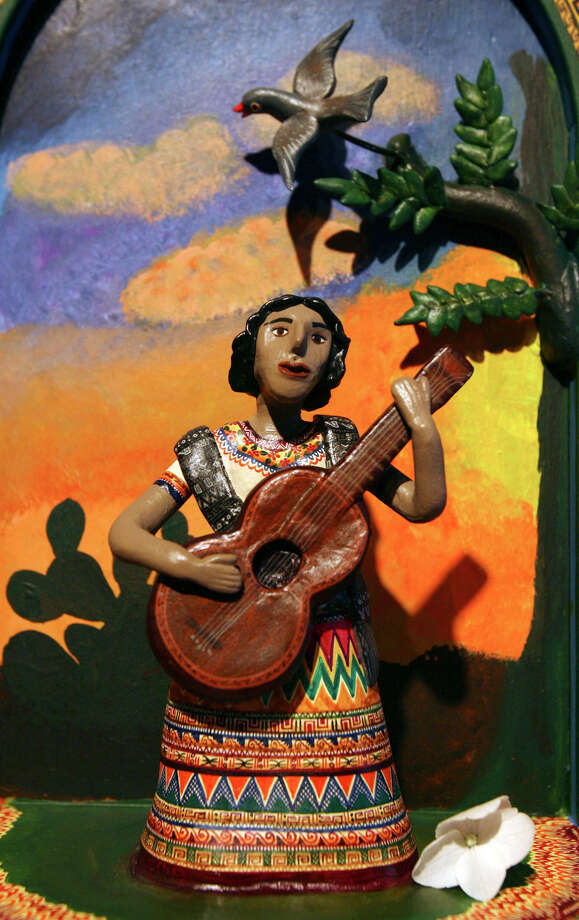 A section of the nicho Lydia Mendoza by the Castillo women at the Esperanza Center back in 2007.  Photo: EDWARD A. ORNELAS, SAN ANTONIO EXPRESS-NEWS / SAN ANTONIO EXPRESS-NEWS