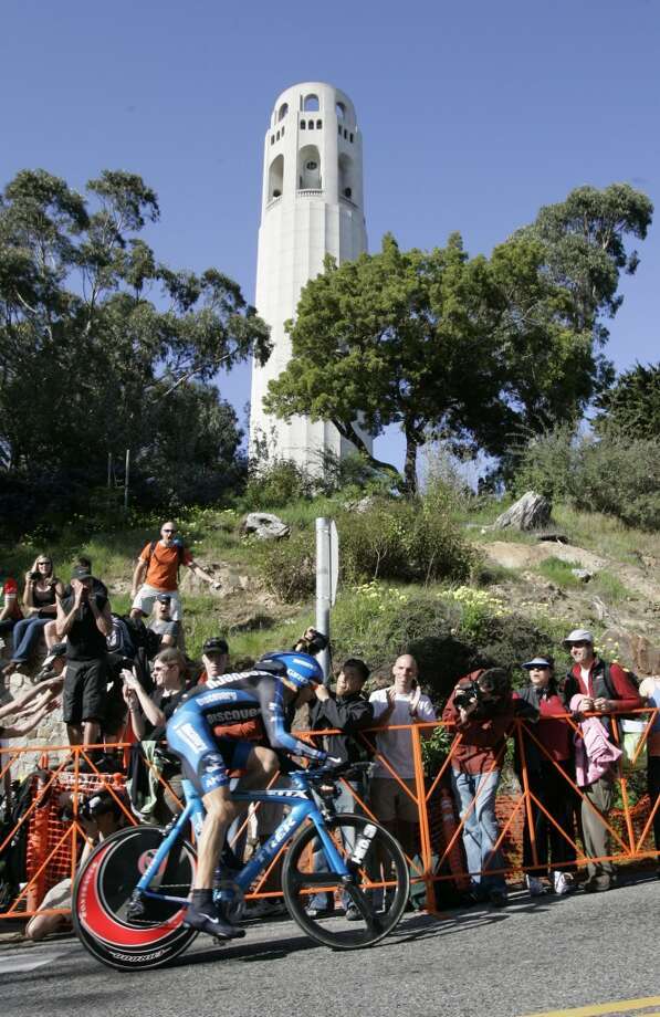 George Hincapie of the Discovery Channel Pro Cycling Team nears the top of the Coit Tower climb.  Prologue stage of the 2007 Amgen Tour of California, a 650 bicycle race from San Francisco to Long Beach, California. Eighteen teams and 144 riders will participate in the 8 day race through California. Today's stage on February 18, 2007 is the individual time trial where the racers race against the clock on a 1.9 mile course from the Embarcadero to Coit Tower.  Photo by Michael Maloney / San Francisco Chronicle