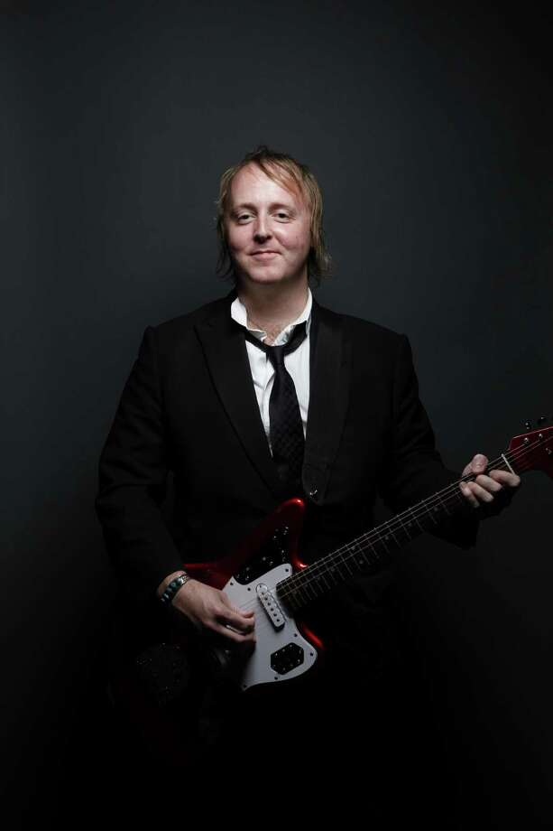 James McCartney performs at the Viper Room Photo: MJ KIM / MJ KIM