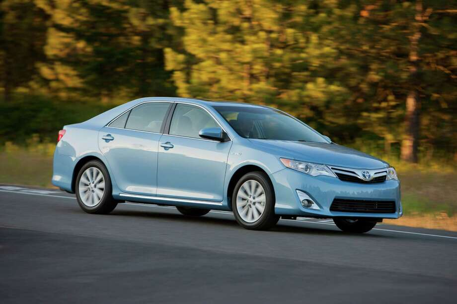 Toyota Camry Hybrid XLE 