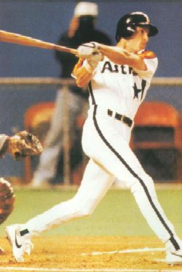 31. Steve Finley, OF (1991-1994).281/.331/406 batting line with 32 HRs, 186 RBIs, 301 Rs, 110 SBs and 14.0 Wins Above Replacement in 557 games.  Standout defender who won six Gold Gloves after leaving Astros, who shipped him and Ken Caminito to the Padres in a deal that brought back Derek Bell, Doug Brocail and the wrong Pedro Martinez. Photo: Houston Chronicle