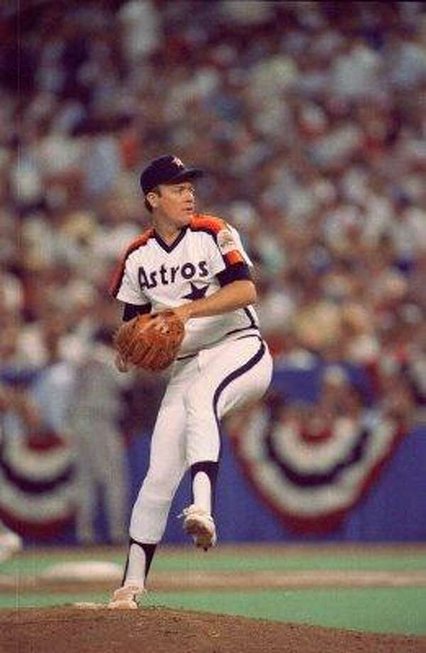11. Mike Scott, RHP (1983-1991)110-81 with a 3.30 ERA in 1,704 IP, with 1,318 Ks, an ERA+ of 107 and 23.4 Wins Above Replacement.  Counting the playoffs, went 20-10 with 2.12 ERA and 325 strikeouts in 293 1/3 innings during his magical 1986 Cy Young season. Photo: Steve Campbell, Houston Chronicle