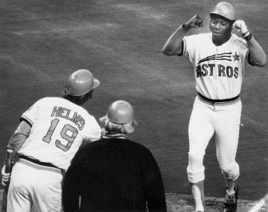 4. Jimmy Wynn, OF (1963-1973) .255/.362/.445 batting line with 223 HRs, 713 RBIs, 829 Rs, 180 SBs and 44.4 Wins Above Replacement in 1,426 games.  The raw numbers he produced playing in a pitcher's era with hitter-unfriendly home parks (Colt Stadium, Astrodome) hid just how productive player he was. Photo: Bill Clough, Houston Chronicle