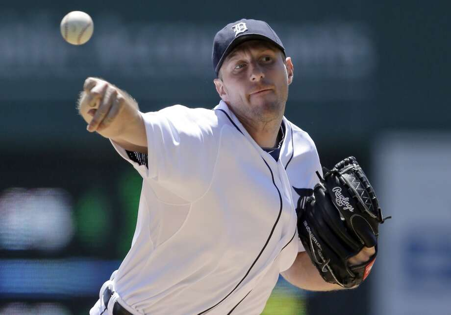 Tigers starting pitcher Max Scherzer throws during the first inning.