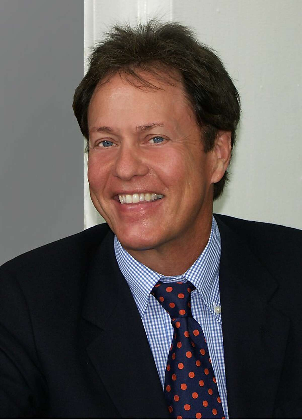 Rick Dees' syndicated morning show has been added to KREV's lineup (2013)