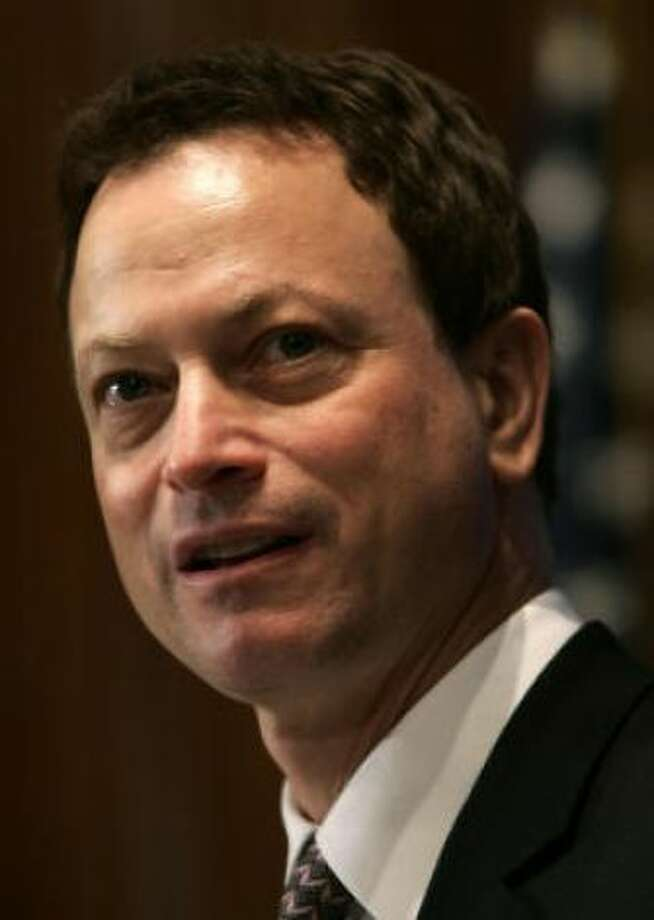 Actor Gary Sinise could be the long-lost son of...