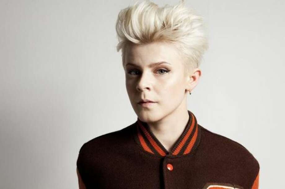 Swedish singer Robyn is a new pop singer with a familiar face. That's because she looks just like...