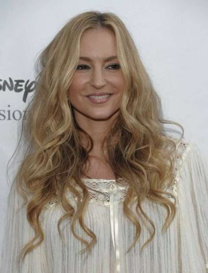 You may confuse Drea de Matteo with...