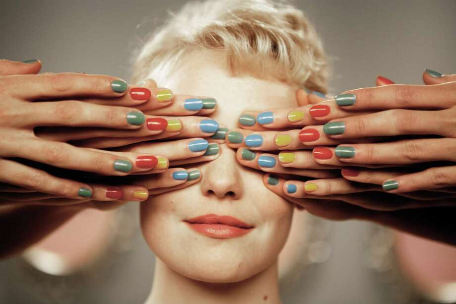 Populaire: Rose is a terrible secretary but a fantastic typist, so her boss resolves to make her the fastest typist in the world. Set in 1958, this French rom-com combines a MAD MEN aesthetic with an I LOVE LUCY sensibility.   (d: Régis Roinsard c: Romain Duris, Déborah François, Bérénice Bejo,  Shaun Benson, Mélanie Bernier, Miou-Miou, France 2012, 111 min) Photo: JAIR SFEZ, Courtesy Photo / © 2013 The Weinstein Company. All Rights Reserved.