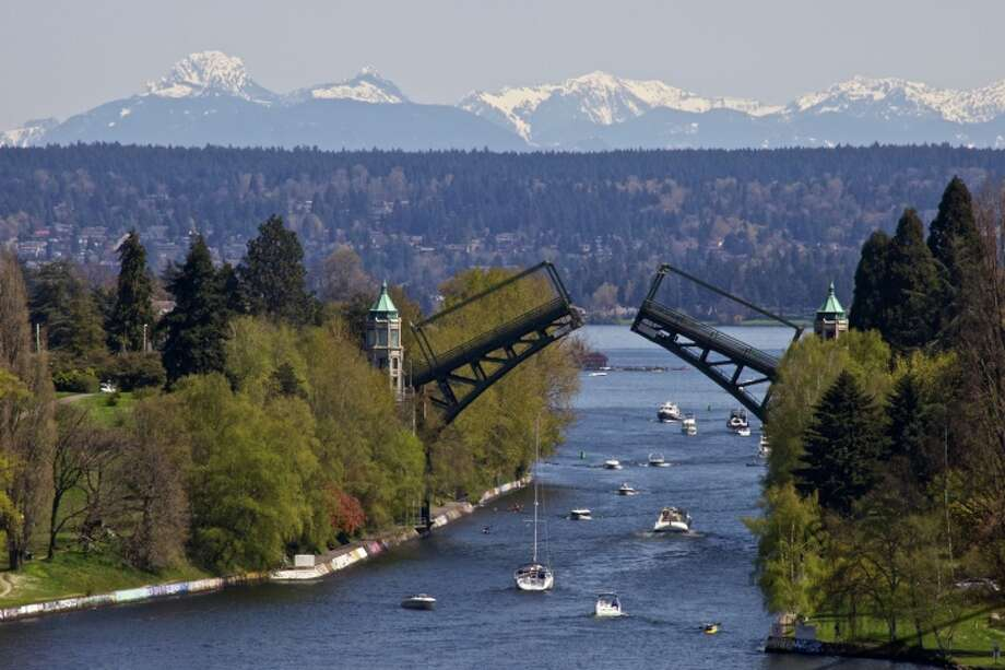 Montlake bridge is up. Photo: C. Chase Taylor, Getty Images/Flickr RF / Flickr RF