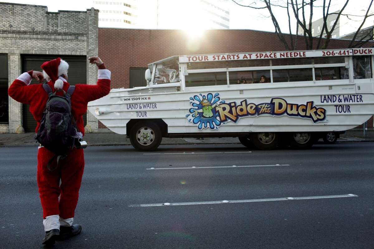 Ride the Ducks announced Thursday that it will resume its city tours Friday morning. The popular tour has been on hiatus for nearly four months since the September 2015 Aurora Bridge crash that killed five on a charter bus.
