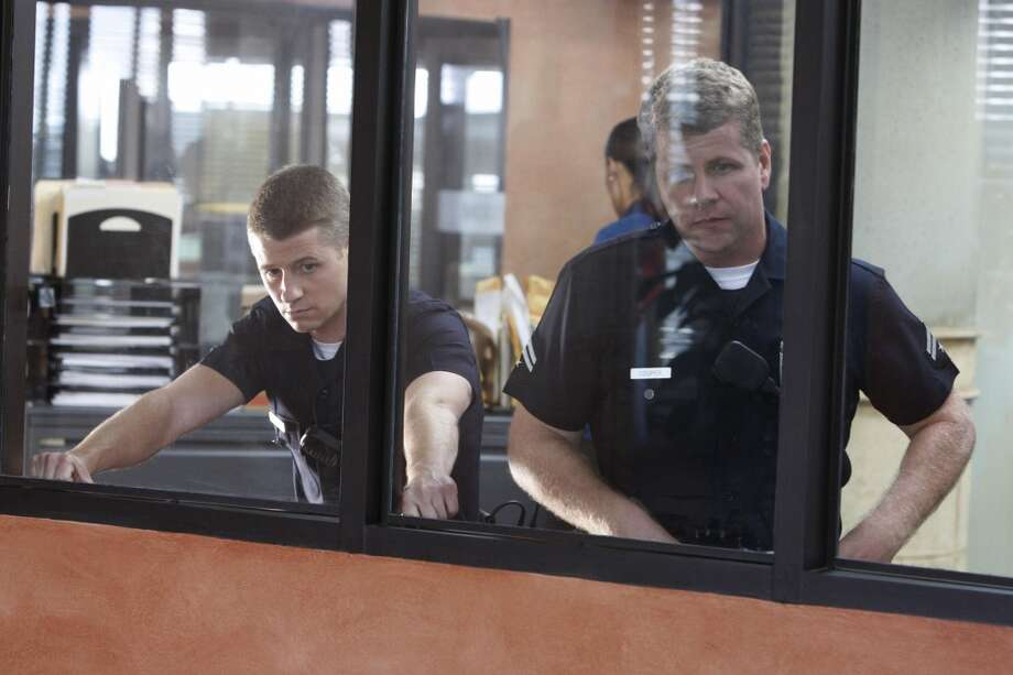 Benjamin McKenzie and Michael Cudlitz star as LAPD patrol officers in TNT's Southland.