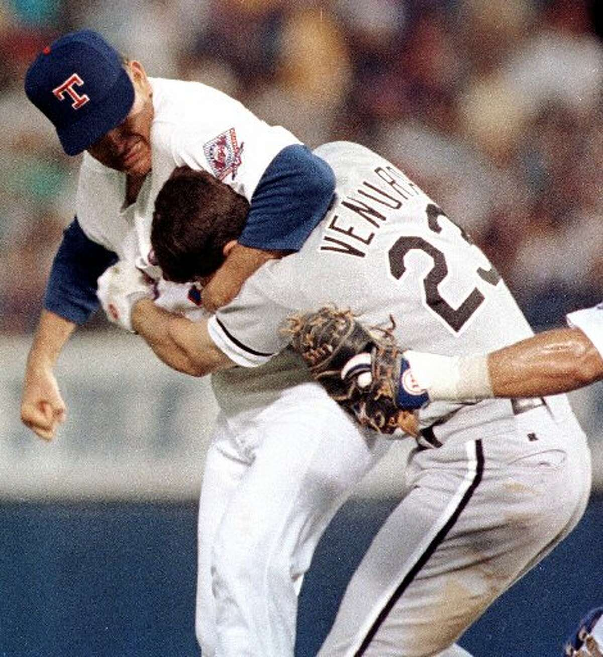 Nolan Ryan Through The Years THE MOST FAMOUS BASEBALL BEATDOWN EVER This classic photo shows Nolan Ryan's famous fight with Robin Ventura.