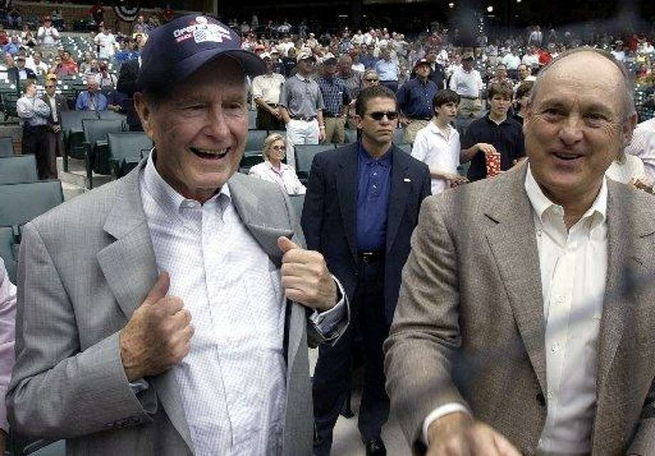 Nolan Ryan hangs out with George H.W. Bush. Photo: David Phillip, AP