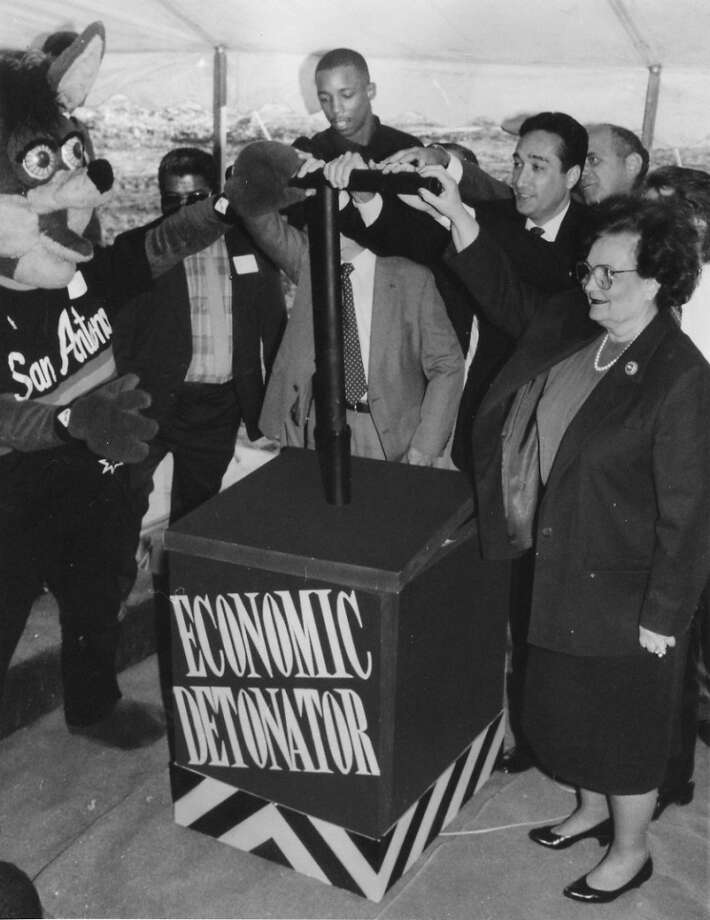 The Spurs Coyote, Sean Elliott, Henry Cisneros and Lila Cockrell rallying for the Alamodome in 1990.