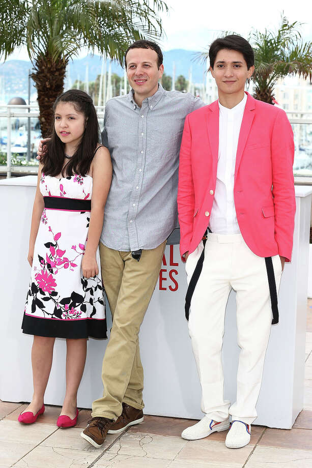 (L-R) Actress Andrea Vergara, director Amat Escalante and actor Armando Espitia attend the 'Heli' Photocall during the 66th Annual Cannes Film Festival at the Palais des Festivals on May 16, 2013 in Cannes, France. Photo: Andreas Rentz, Getty Images / 2013 Getty Images