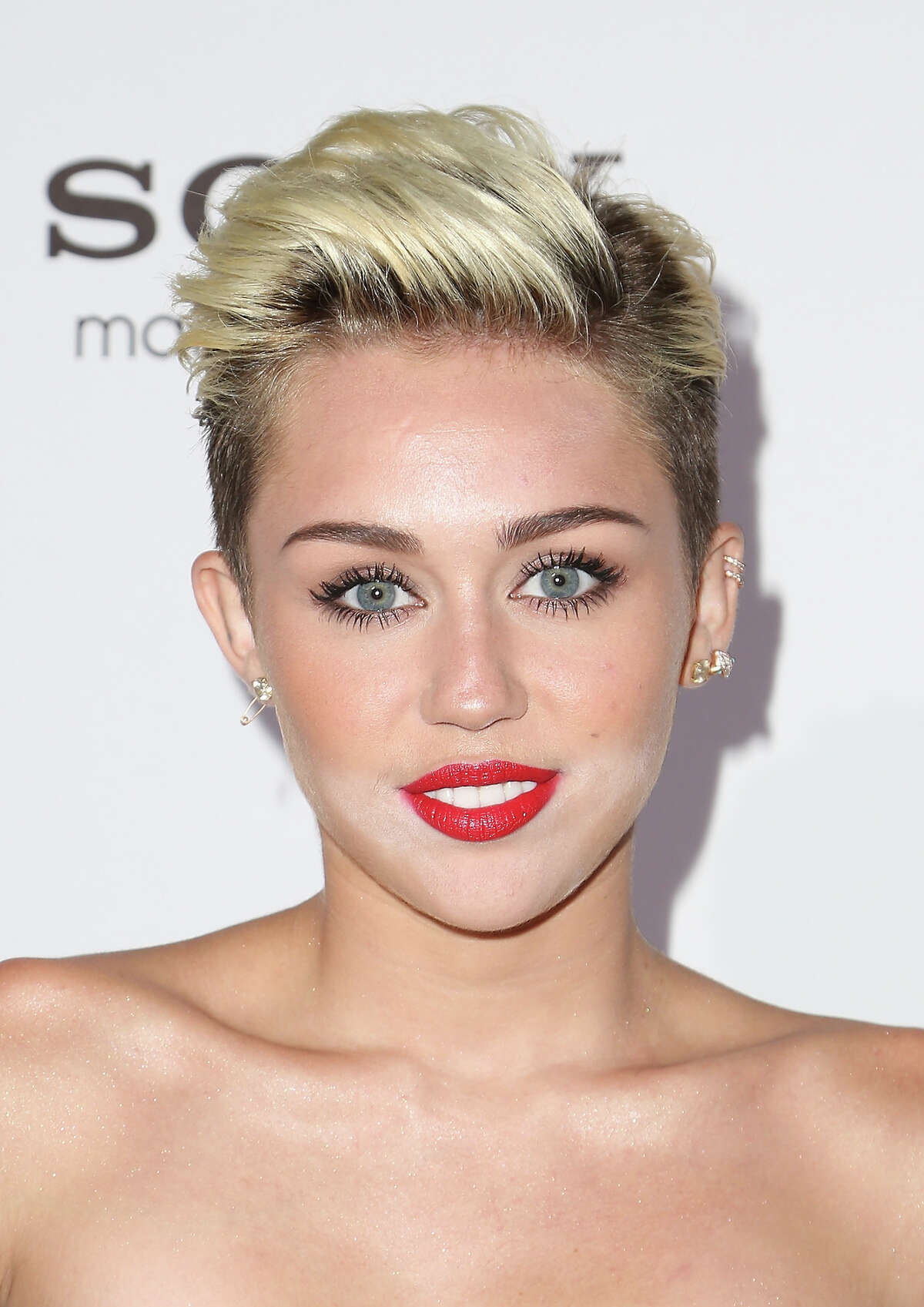 Singer/actress Miley Cyrus arrives for Maxim's Hot 100 Celebration on May 15, 2013 in Hollywood, California.