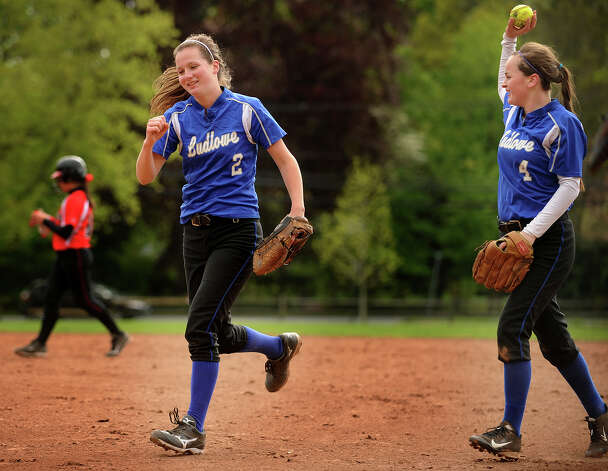 Sisters Emily, left, and Alice Nelson make up the double play combination for Ludlowe softball. Photo: Brian A. Pounds / Connecticut Post