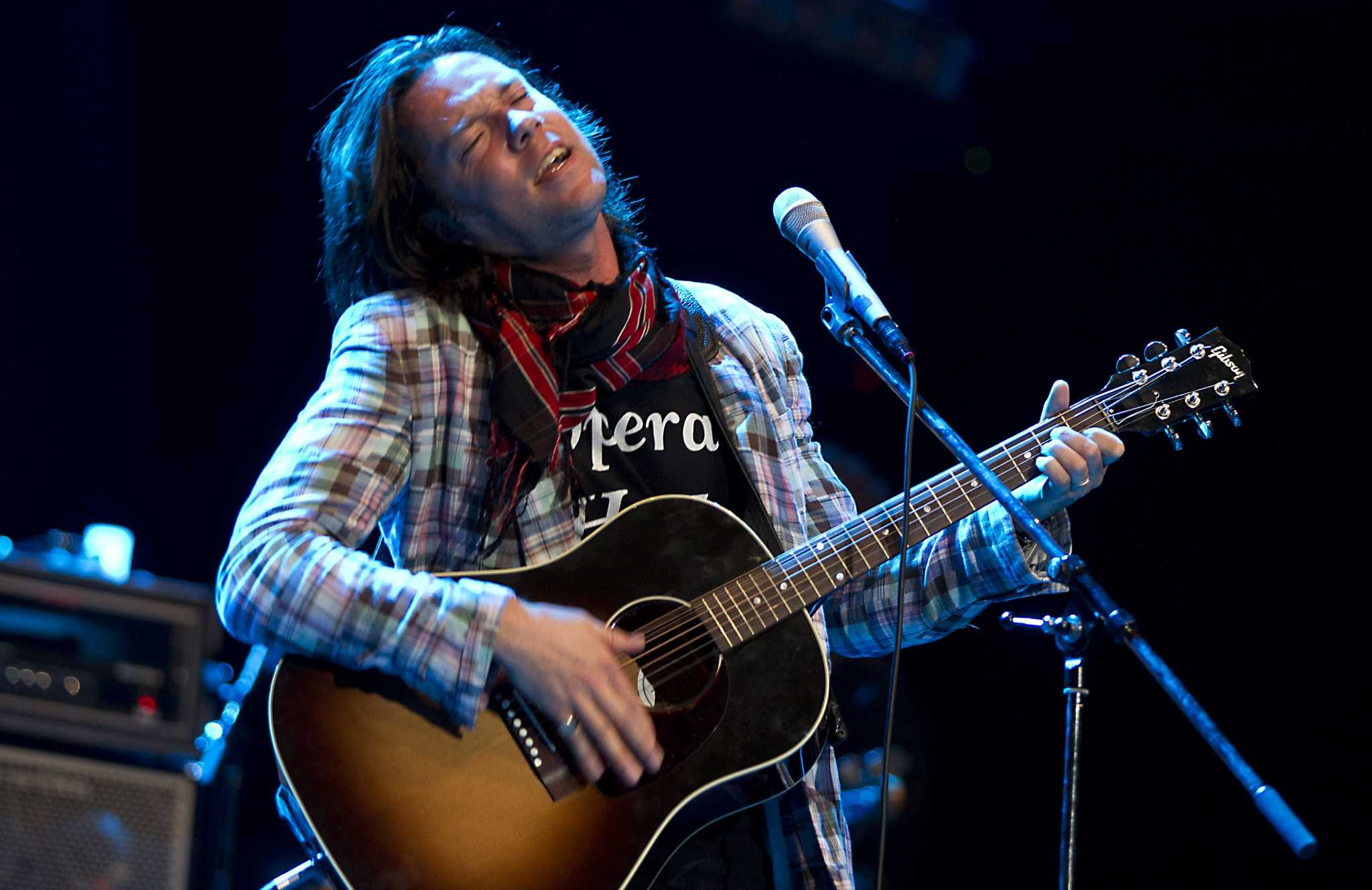 Rufus Wainwright acknowledges time, defies time at Heights Theater