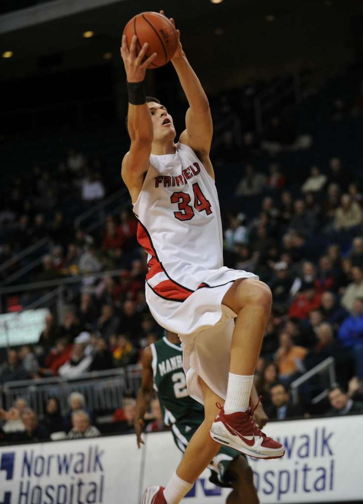 Ryan Olander, Fairfield U. vs. Manhattan basketball