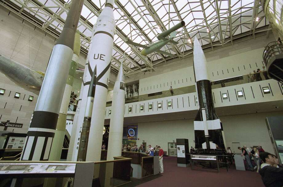 A V-2 (right) stands alongside other rockets in the Smithsonian National Air and Space Museum. Photo: Ulrich Baumgarten, U. Baumgarten Via Getty Images / 2003 Ulrich Baumgarten