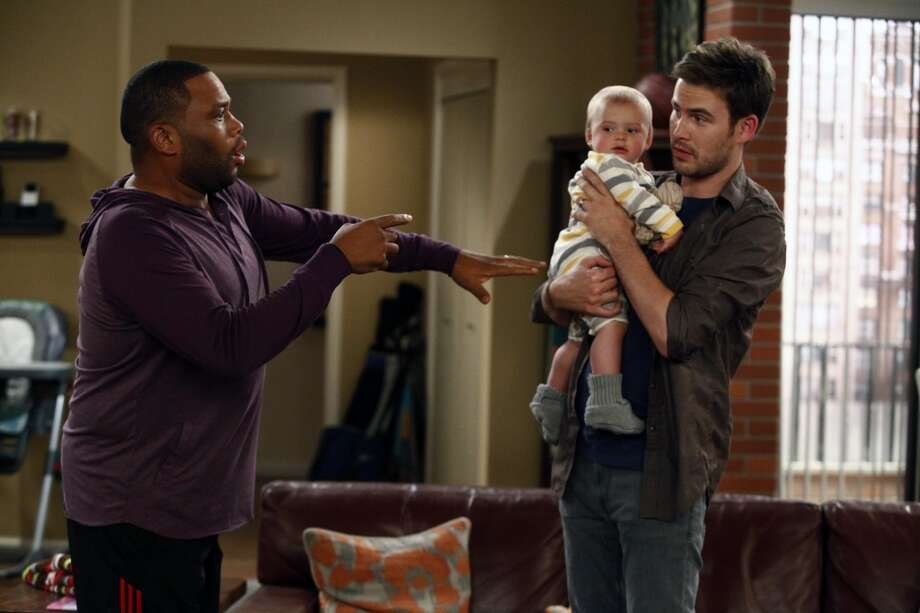 "GUYS WITH KIDS -- ""Pilot"" -- Pictured: (l-r) Anthony Anderson as Gary,  Zach Cregger as Nick."