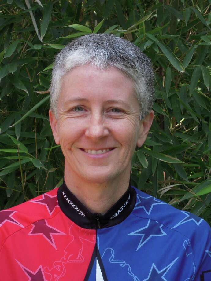 Sara Reid is a League of American Bicyclists cycling instructor. She co-teaches a course on urban cycling and bicycle maintenance called Streetwise.