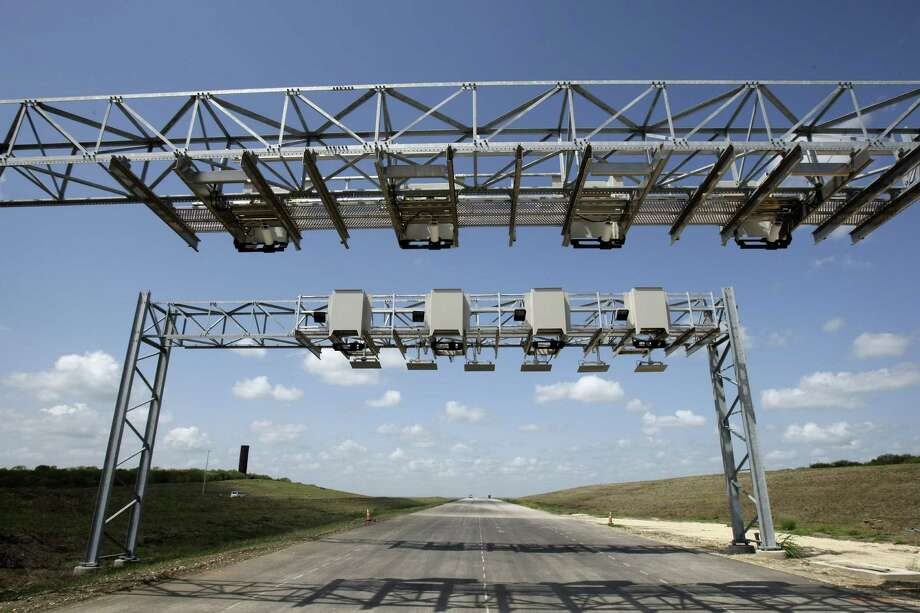 Texas 130 is the state's first public-private toll road. In these austere times, the public-private option is necessary for Texas to meet infrastructure needs. Photo: Helen L. Montoya / San Antonio Express-News