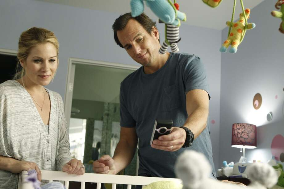 UP ALL NIGHT --  Pictured: (l-r) Christina Applegate as Reagan, Will Arnett as Chris