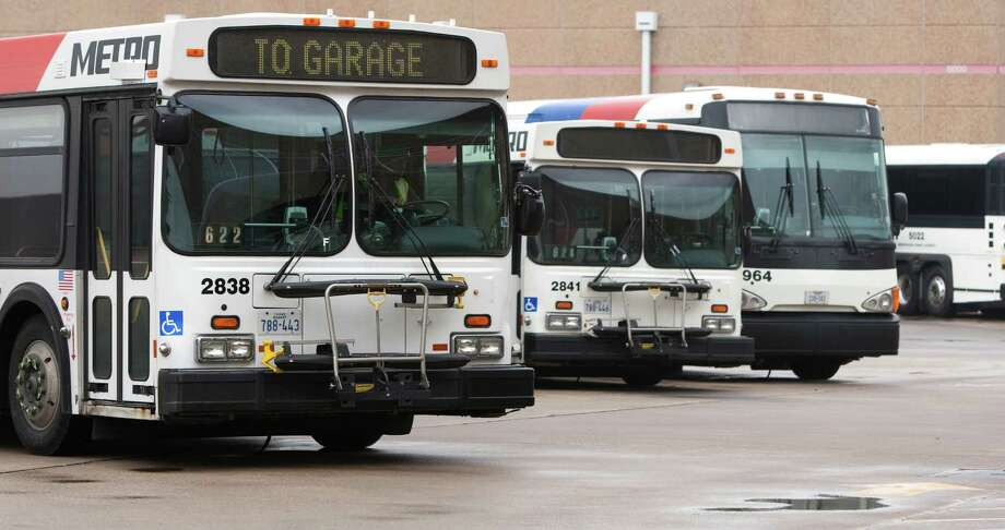 Metro staff is recommending that the agency begin purchasing compressed natural gas buses in 2014 and work ultimately toward an all-CNG fleet. Photo: Brett Coomer, Staff / Houston Chronicle