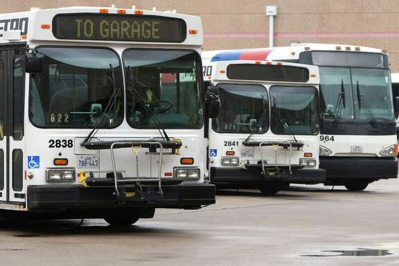 Metro staff is recommending that the agency begin purchasing compressed natural gas buses in 2014 and work ultimately toward an all-CNG fleet.