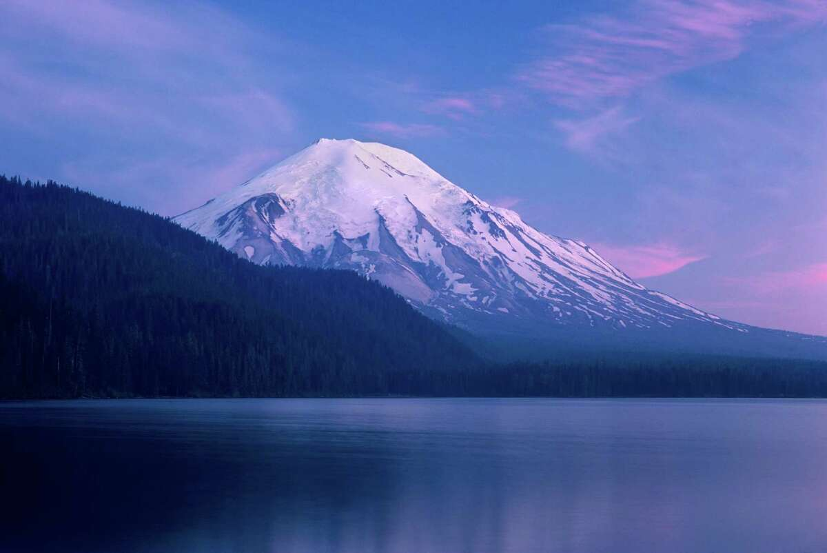 Spirit Lake and Mount St. Helens before eruption