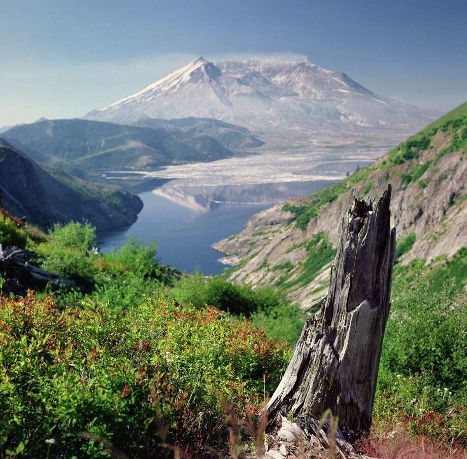 Mount St. Helens and Spirit Lake. Photo: Danielle D. Hughson, Getty Images/Flickr RF / Flickr RF