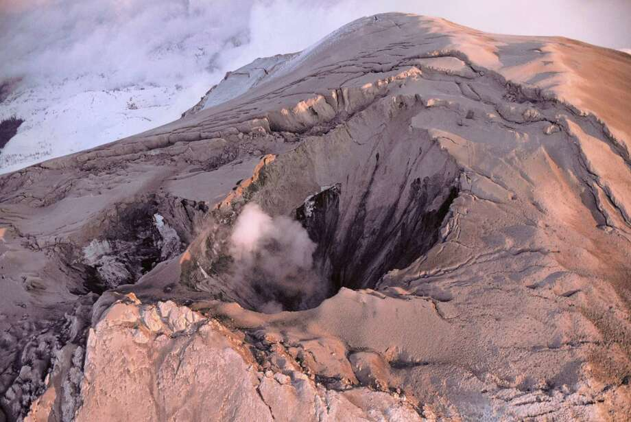 Aerial of Mount St. Helens venting steam prior to the 1980 eruption. Photo: James Balog, Getty Images/Aurora Creative / Aurora Creative