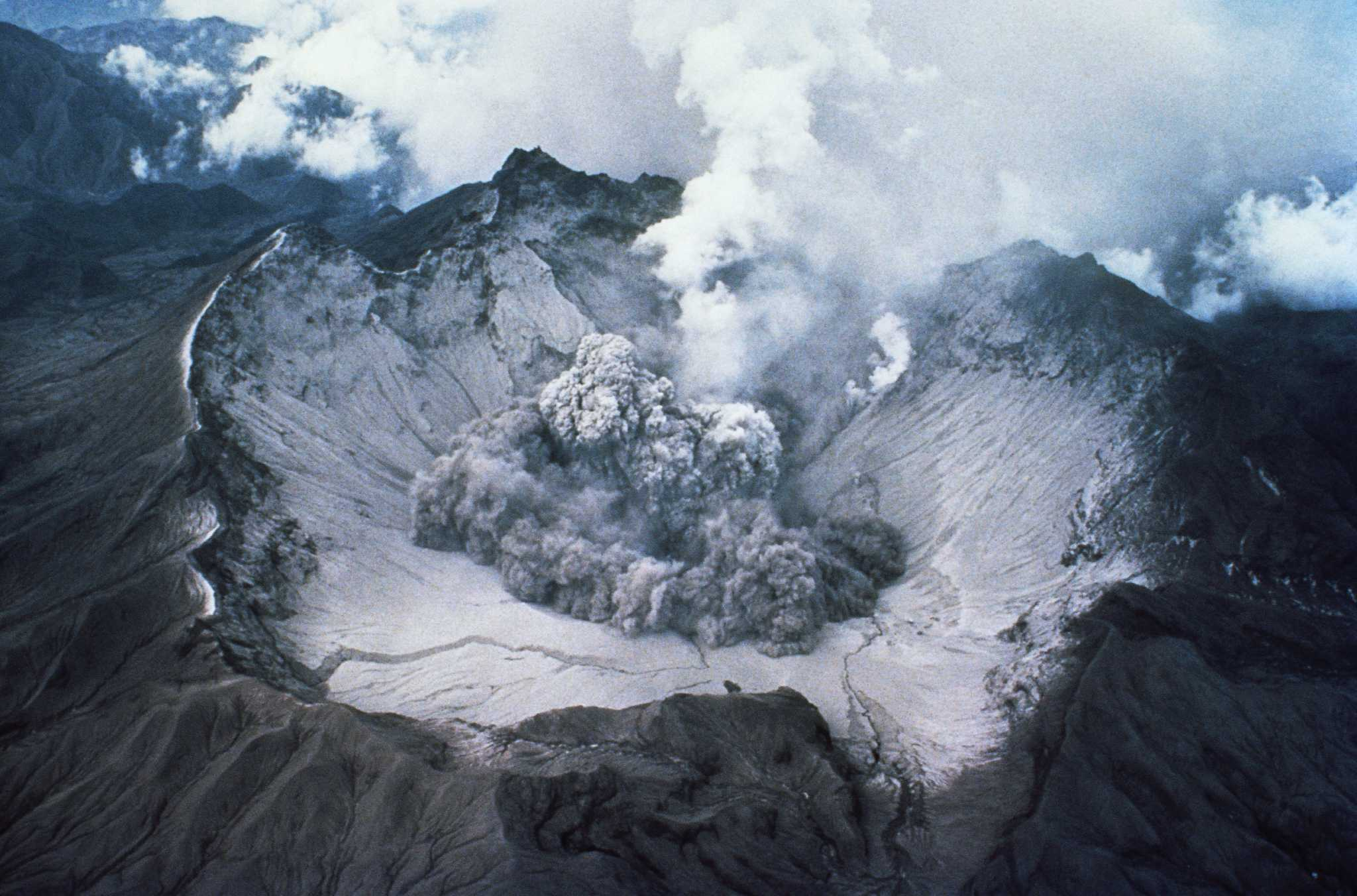 39 years ago: Mount St. Helens woke up and blew her top