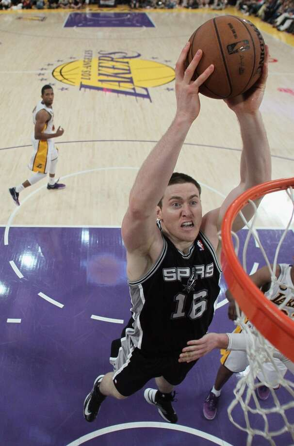 Aron Baynes -- power forward, San Antonio SpursBorn in New Zealand and raised in Australia, Baynes made his mark on the Northwest in a Cougars jersey, playing four seasons on the Palouse at Washington State. Baynes helped lead the Cougs to consecutive NCAA births, including a Sweet Sixteen appearance in 2008. In his senior season with the Cougars, Baynes averaged 12.7 points per game to go along with more than 7 boards per contest.  Today, after a stint of pro hoops in Europe, Baynes is a bench option for the San Antonio Spurs. In limited minutes this season, Baynes averaged 2.7 points and 2 rebounds per game.