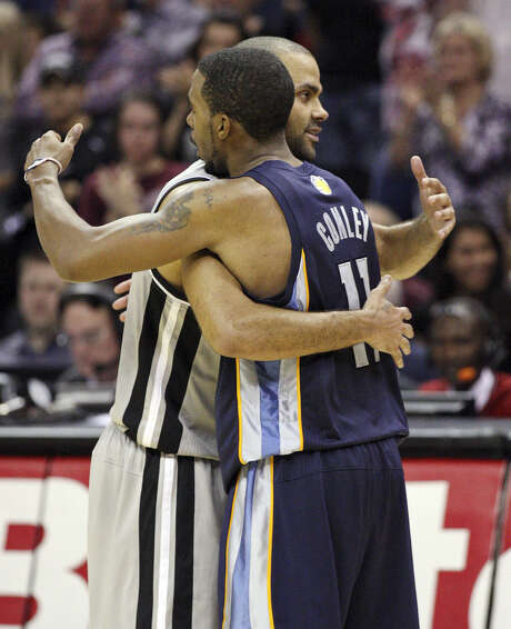 The winner of the point-guard matchup between the Spurs' Tony Parker and the Grizzlies' Mike Conley will help decide the Western Conference champion. Photo: Edward A. Ornelas / San Antonio Express-News