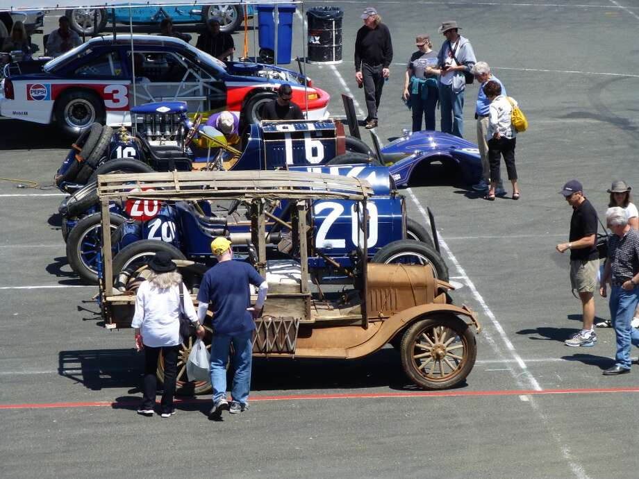 This rather tall and elderly wagon took a few leisurely strolls around the paddock, but was not a competitor out on the track.