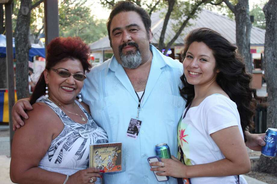 Crowds enjoy the music at the Tejano Conjunto Festival at Rosedale Park on Sunday night, May 19, 2013. Photo: Libby Castillo / For MySA.com