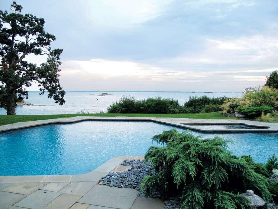 75 foot pool. Photo Via David Ogilvy.com